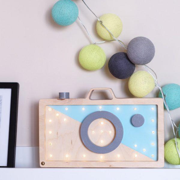 light lamp camera